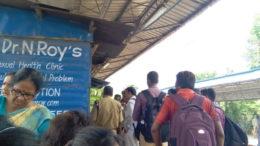 ভরদুপুরে হুলস্থুল সোদপুর স্টেশনে