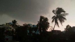 কালবৈশাখীতে বিপর্যস্ত শহর